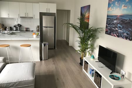 Bright and modern apartment close to beach