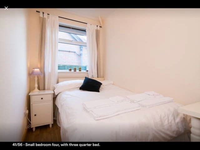 Small Cosy Bedroom ( 4 of 4 ) in Knutsford.