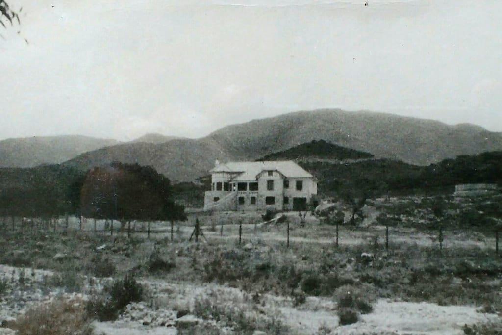 La casa cuando aún se encontraba en construcción