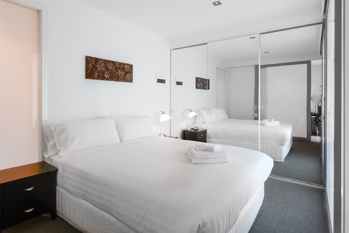 MelbourneCBD-1br-wifi-pool-spa