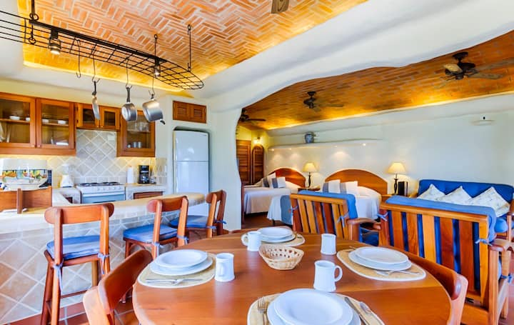 Studio Colinas del Mar at Pelican Eyes Villas