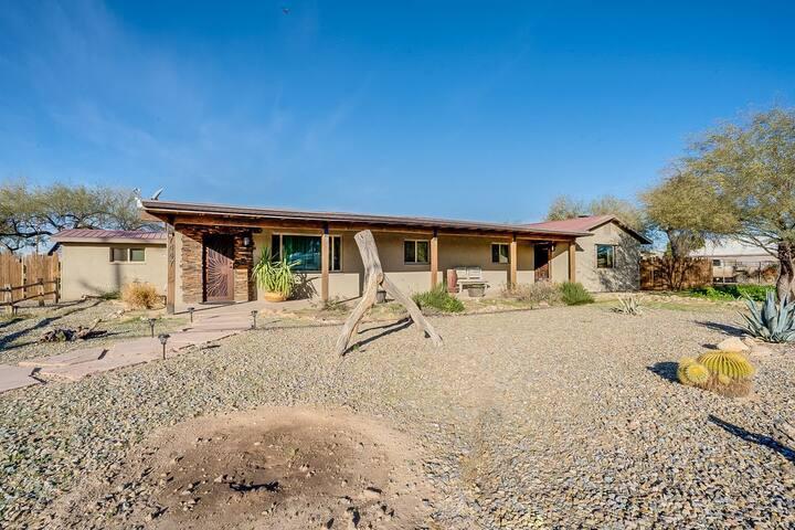 Rustic Desert Gem Guest house