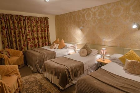 Family Room - 2 double beds and 1 single bed