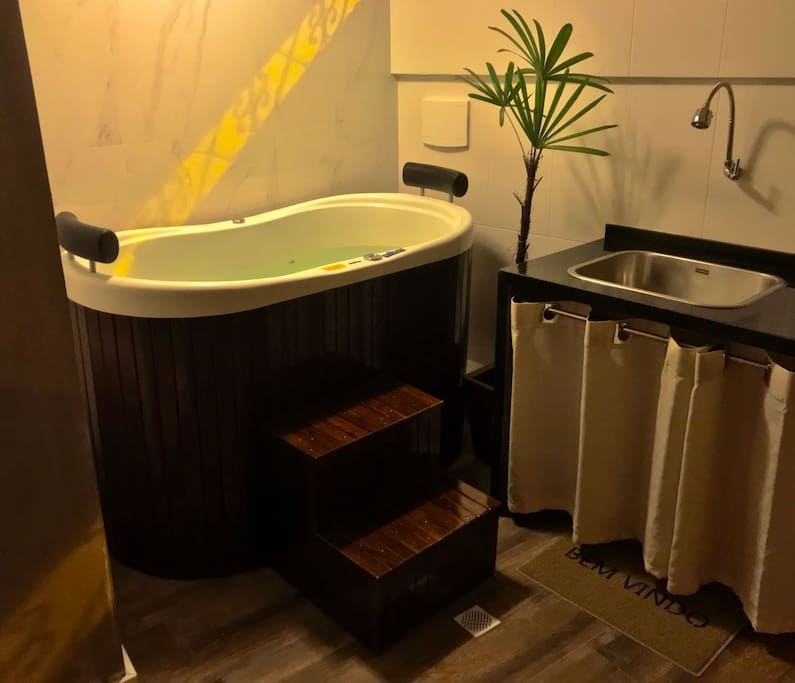 House with Jacuzzi 5 min from subway (suite for 2) - Houses for Rent ...