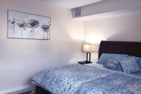 1 Bed Apt_No Kitchen_ 6 mins EWR /NJT_Elizabeth NJ