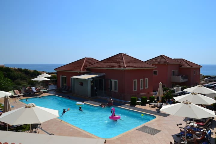 2 bedroom apartments, Kefalonia, Skala: enjoy lovely swimming of the complex