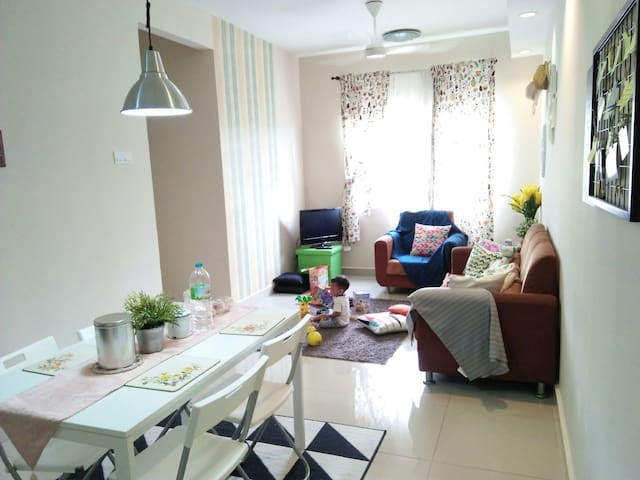 Homestay Apartment KL 3min Walk Cheras LRT Station
