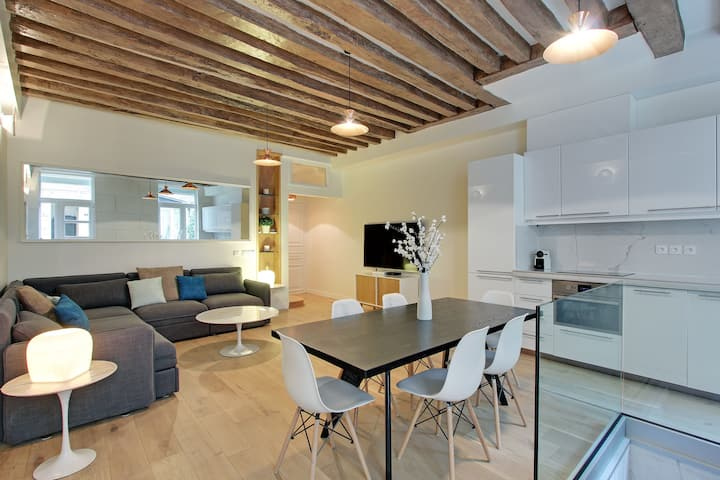 A Wonderful 2-BDR in le Marais
