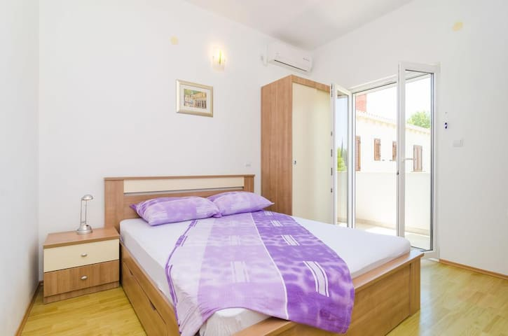 Room Barišić-Double room w/Balcony&Garden view
