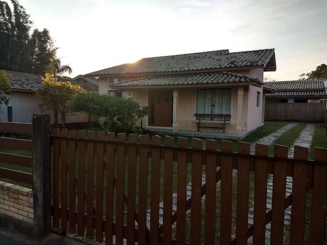 Casa na Barra de Ibiraquera