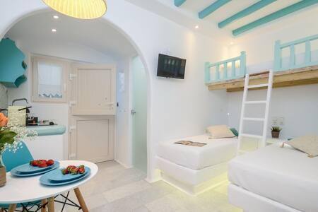 Naxian Breeze, Family Apartment on the beach!