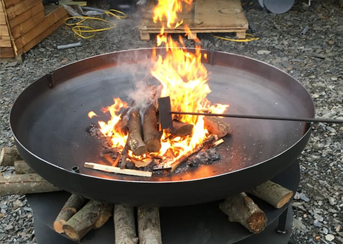 Who doesn't like a fire pit?