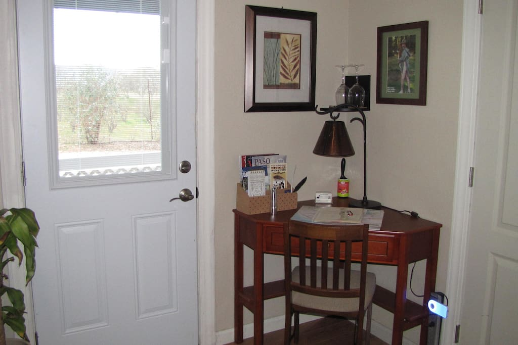 Private entrance. Computer desk,local magazines, and winery maps