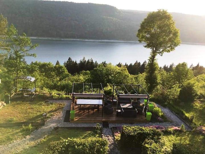 Lac de Vouglans - chalet avec vue lac incroyable