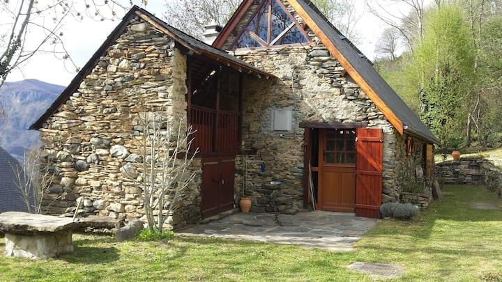 Grange pyrénéenne rénovée