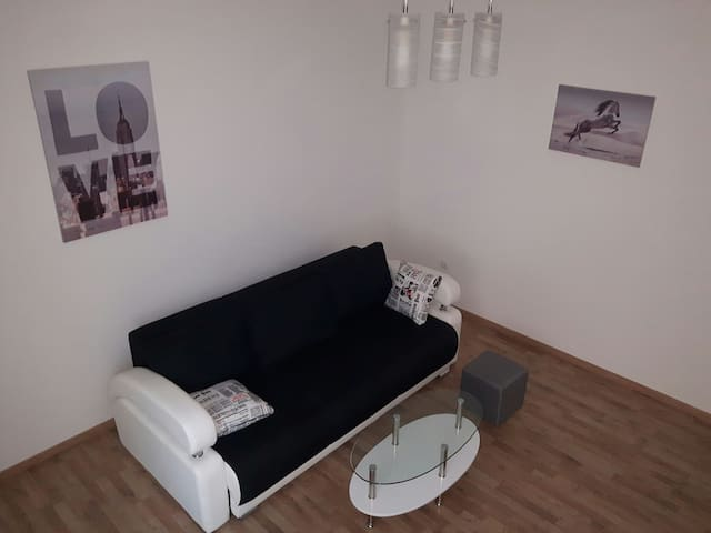 Urban city center Apt with free private parking