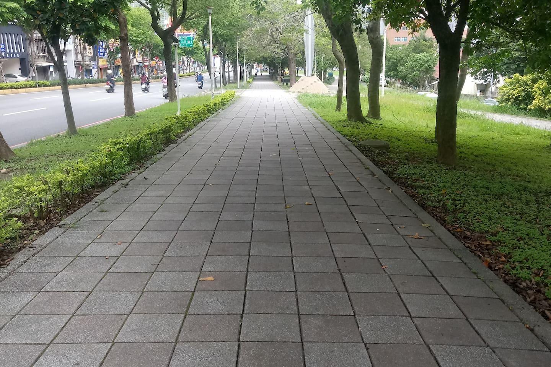 Side walk along the main road.