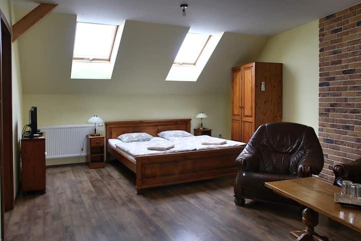 Apartmán s manželskou posteľou pre dve osoby