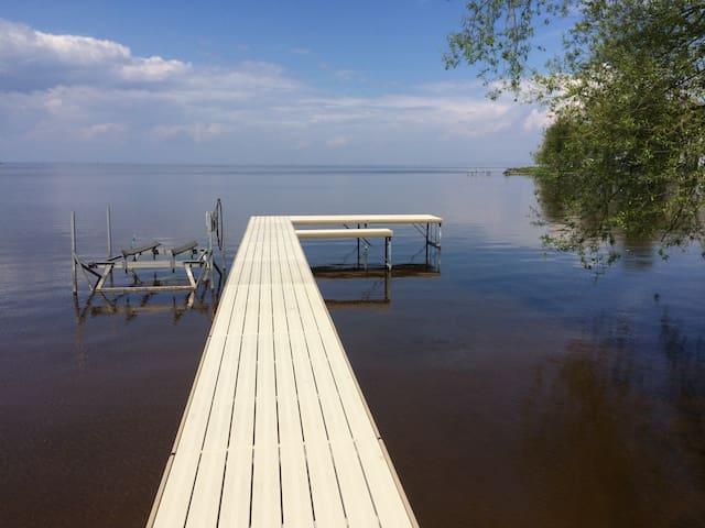 Family-Friendly Lake Winnebago Cottage