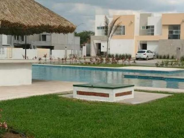 Beautiful house in private cluster - Ciudad Apodaca - Ev