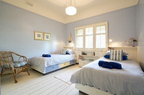 Plover's Rest Homestay - Blue Room Twin Share