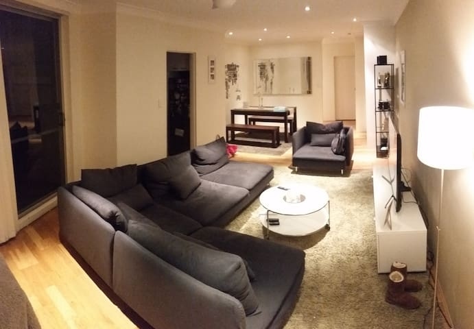 Modern, comfortable and convenient Appartment - Chiswick - Pis