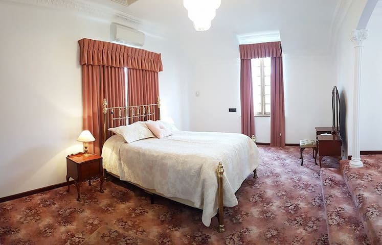 LARGE Private Suite with RIVER VIEWS