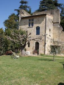 La Tour dans les Etoiles - Étoile-sur-Rhône