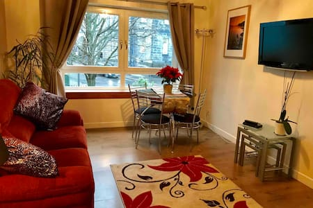Wonderful apartment in Edinburgh's Old Town.