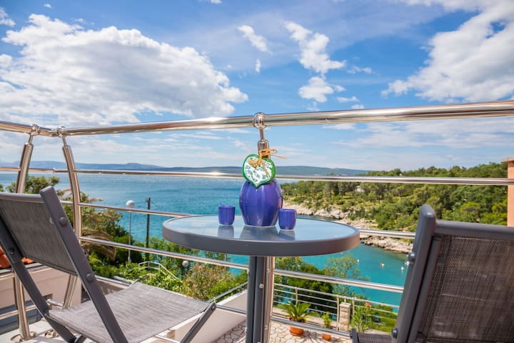 Two Bedroom Apartment, beachfront in Dramalj (Crikvenica), Balcony