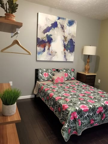 Indianapolis Downtown 1BDRM Retreat (Free Private Parking)