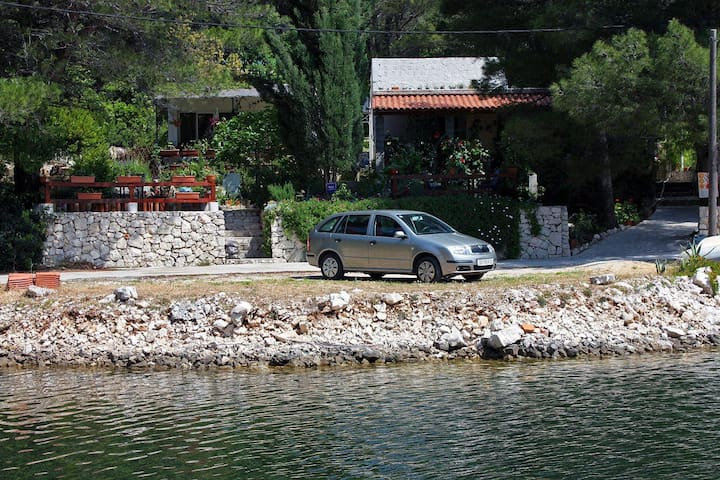 One bedroom apartment near beach Okuklje, Mljet (A-4949-a) - Okuklje - Apartamento