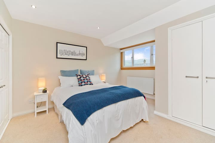 Stunningly decorate bedroom with views.  Built in robes, mirrors, dressing seat, Down lights, fully carpet central heating.  High ceilings.