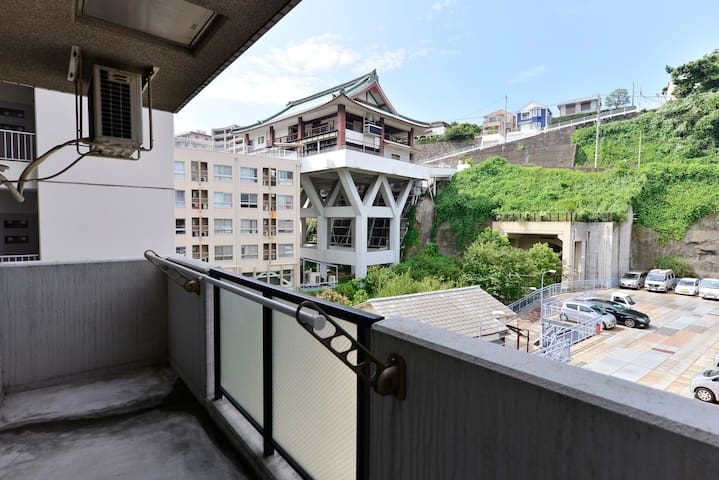 Central Yokohama! 7min from station free WIFI