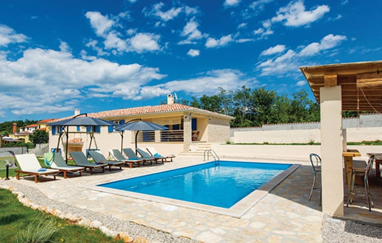 Villa with Private Pool and Sauna