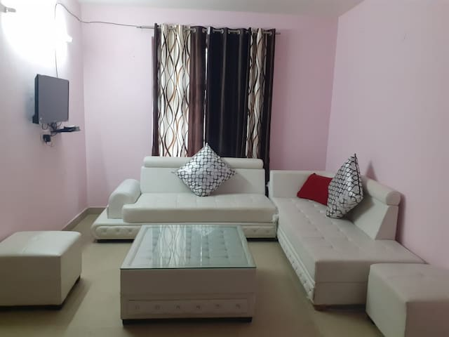 Indep, Elegant 02BHK Near Railway Station