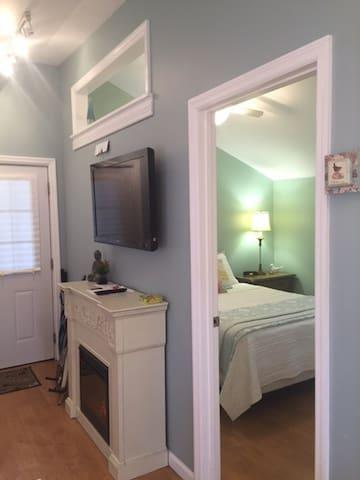 Modern Cottage East Nashville