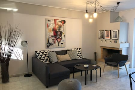 Vibrant 2BR Flat with a Unique View of Maroussi