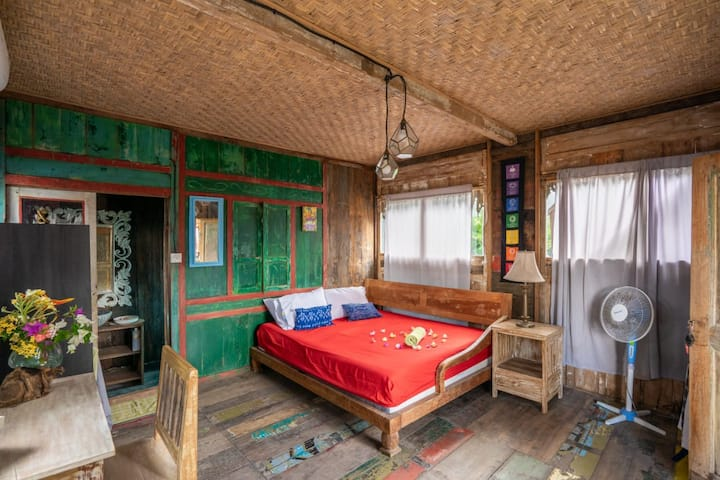 Bali Brothers Guesthouse, Medewi Beach