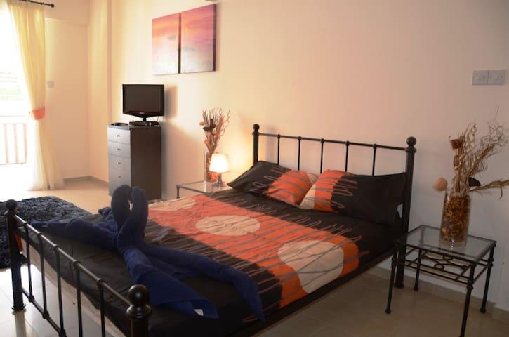 E5 Vanessa Complex-comfortable studio