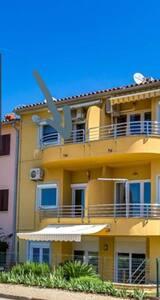 Fantastisk lägenhet vid stranden med havsutsikt