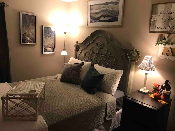 Cozy, beautiful, private room +extras, 1-2 guests