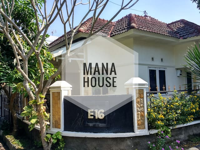 Mana House and Transport