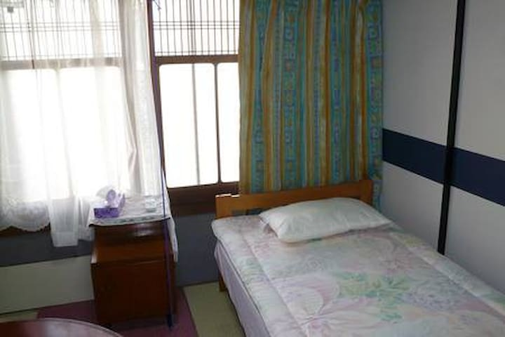 """Room1 with """"Tatami and Bed"""""""
