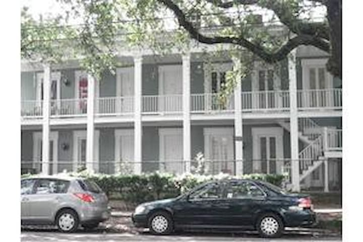 2nd Floor Apartment on Magazine St - Nowy Orlean - Apartament