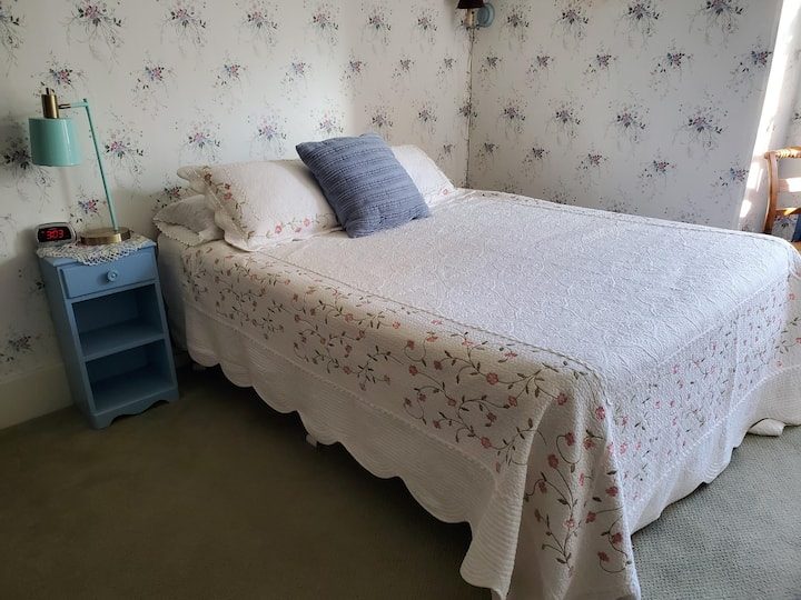 Welcome Home - Rm 8 - Quiet & Restful B&B.
