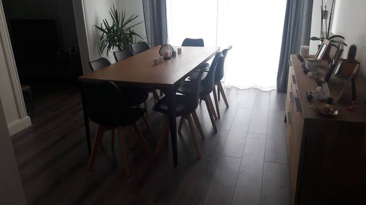 Appartement 70m2, proche centre, transports, 24h
