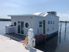 Aqua+Lodge+Houseboat+%22The+Grey+Lady%22