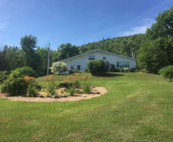 Mountainside Country Suites - Lower
