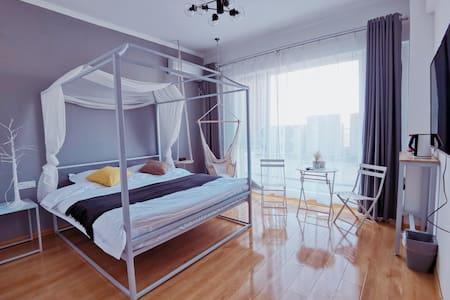 【见面·说】ins轻奢舒适大床房紧邻山西传媒大学